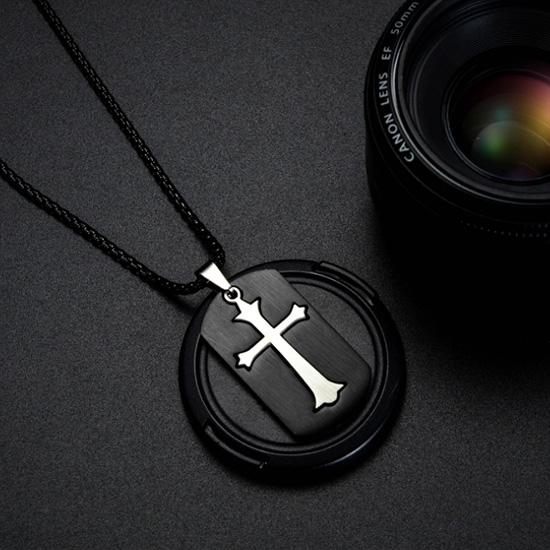 《QBOX 》FASHION 飾品【C20N1595】精緻個性歐美簡約軍牌十字架鈦鋼墬子項鍊/掛飾
