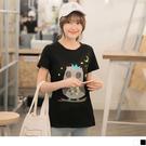 OrangeBear《AB3263》繽紛童趣貓頭印燙印高含棉T恤.2色--適 XL~5L