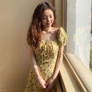 一字肩連衣裙 夏季韓版新款法式復古碎花方領連衣裙女減齡小個子一字肩短裙顯瘦 解憂