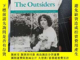 二手書博民逛書店Understanding罕見 the Outsiders Y369690 Howard, Todd Luce