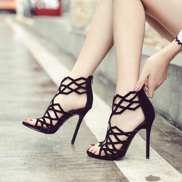 涼鞋 羅馬鏤空高跟鞋綁帶防水臺魚嘴細跟涼鞋露趾性感 巴黎春天