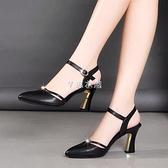 包頭中空涼鞋女一字扣粗跟高跟涼鞋女夏季羅馬鞋2021新款涼鞋 快速出貨
