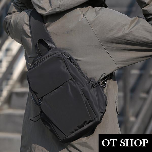 OT SHOP [現貨] 包包 斜肩背 斜胯 腰包 胸包 黑色尼龍包 多暗袋 USB充電孔 時尚休閒風 H2061