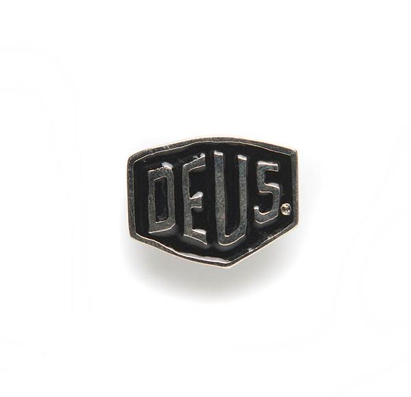Deus Ex Machina Shield Badges 別針   騎士衝浪品牌 -(黑)