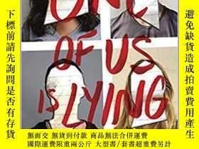 二手書博民逛書店英文原版One罕見of Us Is Lying 我們中有一個在撒謊 暢銷書 Karen M. McManus 青少