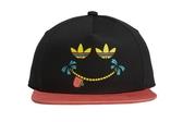 X-adidas SMILE SNPBACK 黑紅 微笑 LOGO 可調式 棒球帽 帽子 CV8696