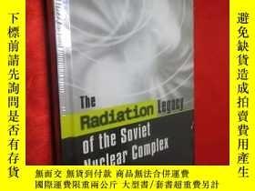 二手書博民逛書店The罕見Radiation Legacy of the Sov