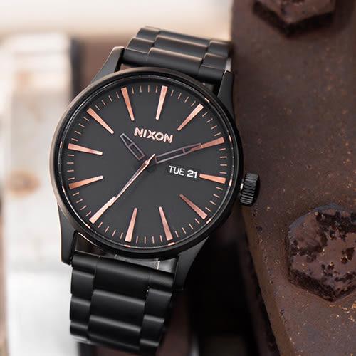 NIXON SENTRY SS 美式休閒潮流鋼帶錶/銅黑 A356-957 熱賣中!