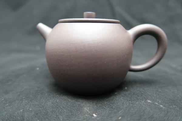2蘋果 宜興紫砂  (適合半發酵或重發酵茶葉,如烏龍,高山茶,鐵觀音,東方美人,老茶等)