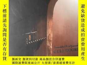 二手書博民逛書店GULF罕見DOORS(波斯灣地區具有阿拉伯藝術風格的門,彩色圖