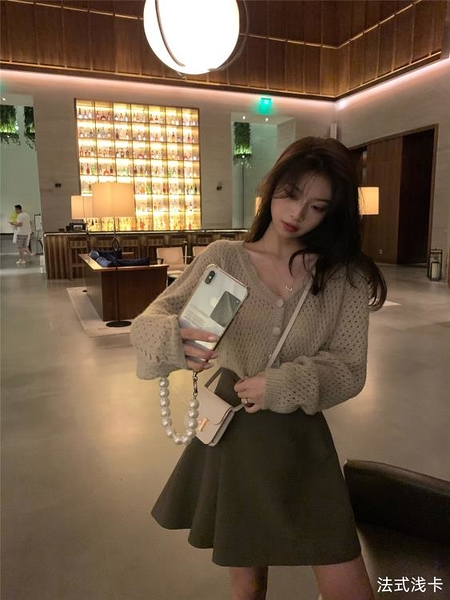 針織外套羊毛V領鏤空針織開衫女秋季新款韓版寬松百搭上衣 中秋特惠