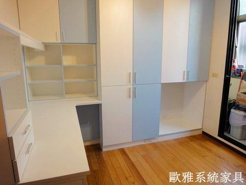 【歐雅系統家具】衣櫥結合書桌櫃