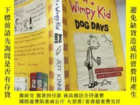 二手書博民逛書店Diary罕見of a Wimpy Kid Dog Days 懦弱的 孩子三伏天日記。,Y200392