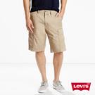Levis 男款 卡其工作短褲 / 無彈性
