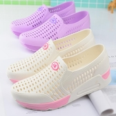 洞洞鞋 涼鞋 夏季白色塑料涼鞋女護士鞋內增高坡跟洞洞鞋涼鞋厚底鏤空沙灘鞋女 漫步雲端