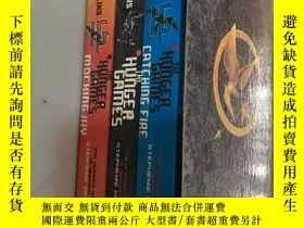 二手書博民逛書店THE罕見HUNGER GAMES 3本Y5919