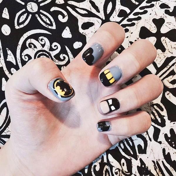 限定款光療感指甲油美甲用品 可愛卡通蝙蝠短版假指甲貼片甲片 日系成品手指甲配外套皮衣風衣