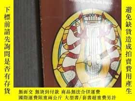 二手書博民逛書店Historic罕見Styles Stained Glass Pattern Book (Dover Staine