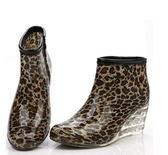 短筒雨靴-簡約防滑首選防水男女雨鞋5色5s48[時尚巴黎]