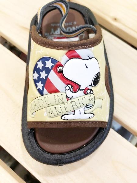 【震撼精品百貨】史奴比Peanuts Snoopy ~台灣製史奴比正版兒童拖鞋-咖啡國旗(13~18號)#15320
