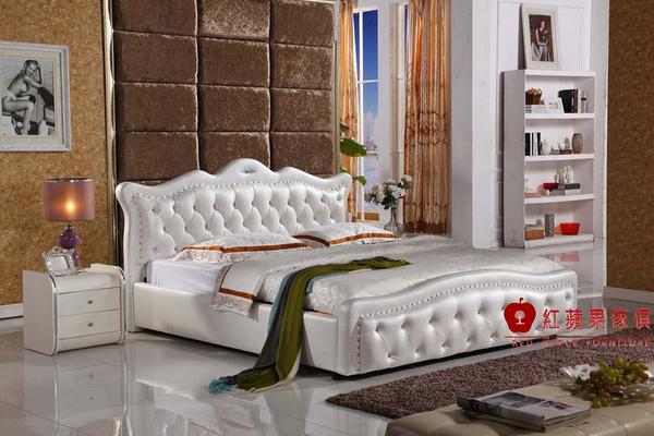 [紅蘋果傢俱] k609 真皮皮藝床 沙發床 軟床 四尺 五尺床台 雙人床架 (另售六尺床台)