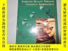 二手書博民逛書店Achieving罕見Quality Through Conti