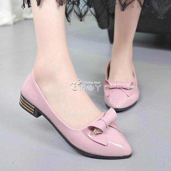 夏季新款亮皮粗跟低跟單鞋平底鞋瓢鞋平跟尖頭淺口工作淑女白 俏腳丫