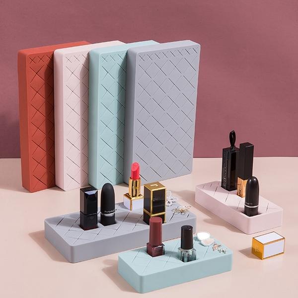 【BlueCat】口紅唇釉 矽膠收納盒 (大) 化妝品收納 首飾收納 眉筆 指甲油 口紅 眉彩置物架 整理盒