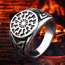 《 QBOX 》FASHION 飾品【RBR8-200】精緻個性復古維京護身符圖騰鑄造鈦鋼戒指/戒環