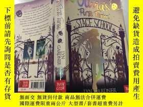 二手書博民逛書店Olivia s罕見First Term奧利維亞的第一個任期Y200392