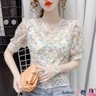 拼接襯衫 短袖碎花襯衫女2021夏裝新款蕾絲拼接法式泡泡袖洋氣v領短款上衣【618 狂歡】