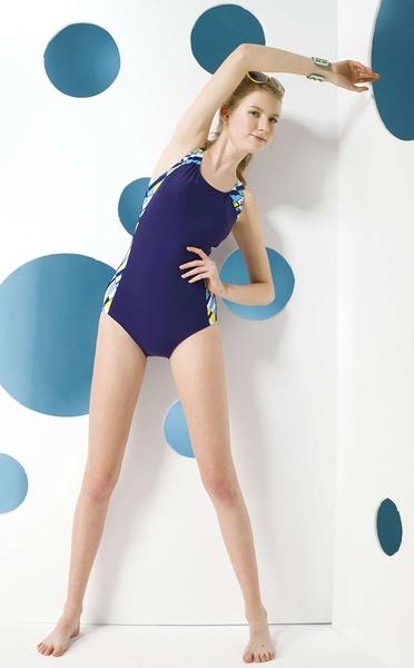 【限時出清 】AGE BOAT世紀船特價款~大女運動風藍底側邊色塊配邊連身三角泳裝 贈泳帽 NO.K0385