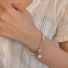 手鐲 招桃花草莓晶珍珠手鍊女ins潮小眾設計森系閨蜜手串簡約甜美手鐲 晶彩