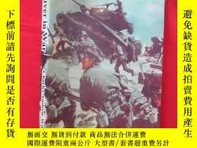 二手書博民逛書店Maneuver罕見in War (16開 ) 【詳見圖】Y54