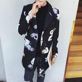 風衣外套-時尚帥氣翻領流行中長版花朵印花男大衣2色73ip75[時尚巴黎]