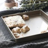 烤盤 正方形不粘烤盤曲奇牛軋糖雪花酥模具金色烤盤家用烘焙工具YYP 俏女孩