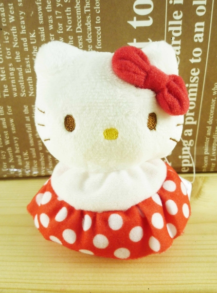 【震撼精品百貨】Hello Kitty 凱蒂貓~絨毛玩偶/擺飾-豆豆紅