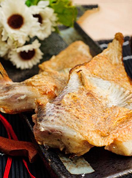 ㊣盅龐水產 ◇ 特大鯛魚下巴◇1kg±5%/包 8-10片/包 烤肉 火鍋 餐廳 歡迎批發 團購 夯肉