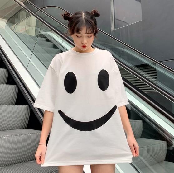 EASON SHOP(GW0645)實拍大微笑臉印花薄款長版圓領短袖T恤裙女上衣服落肩寬鬆內搭衫顯瘦素色棉T恤