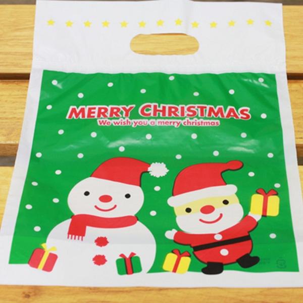 【BlueCat】聖誕節綠底白雪老人雪人拿禮物手提袋 塑膠袋 手提包裝袋(1入)