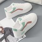 休閒鞋 2020新款小白鞋女春季運動休閒百搭學生板鞋爆款夏季網面透氣夏天「草莓妞妞」