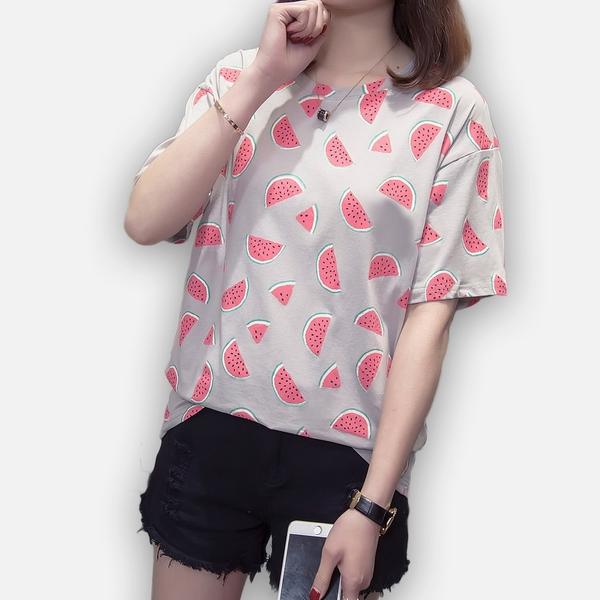 印花T恤--炎夏清涼滿版西瓜印圖圓領短袖T恤(白.灰M-3L)-T351眼圈熊中大尺碼◎