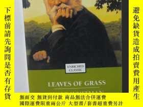 二手書博民逛書店LEAVES罕見OF GRASS Walt whitman【特別