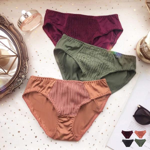 內褲-夢幻樂章(內衣可加購)性感針織舒適彈性光感低腰三角居家內褲 玩美維納斯 平價內衣