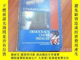 二手書博民逛書店《democracy罕見under pressure》Y1359
