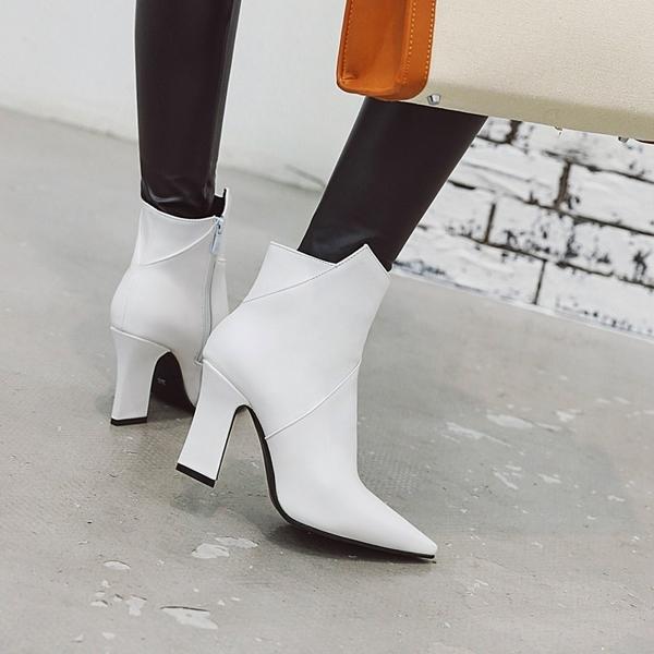 大尺碼女鞋  2019新款時尚尖頭高跟短靴~2色