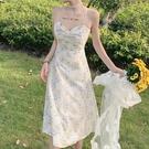 沙滩吊帶裙 碎花吊帶連衣裙夏天穿搭仙女超仙森系性感沙灘長裙子女 歐歐