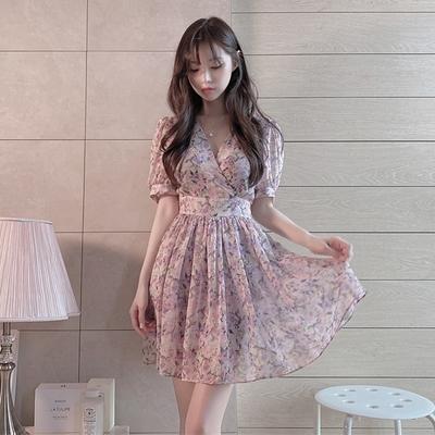 洋裝 連身裙韓版溫柔風甜美少女V領收腰顯瘦碎花雪紡泡泡袖連身裙4F039.依品國際