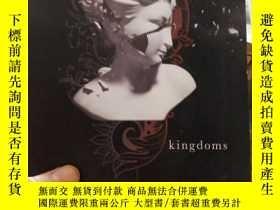 二手書博民逛書店Burning罕見Kingdoms 燃燒的王國 英文原版青少年讀