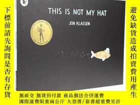 二手書博民逛書店英文原版繪本罕見This is not my hat 這不是我的